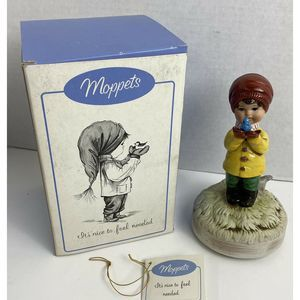 Vtg Moppets Figurine Girl with Bird Music Box